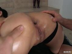 What Jordan Ash did to Vicki Chase's anal entrance