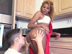 Zoey Reyes gets her perfect ass worshipped in the kitchen