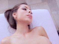 Yuri's got an extra maggage and fucked in a massage salon
