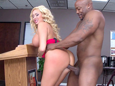 Summer Brielle loves that huge piece of meat railing her twat