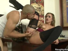Kennedy Leigh plays with cock before sex
