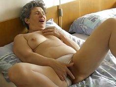 OmaPasS Granny Threesome Toysex Masturbation