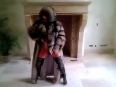 Full 1h vanessa in furs & heels and black toy milf