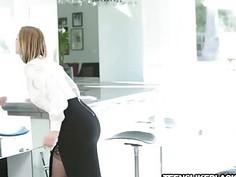 Gorgeous chick Ella Nova got her pussy fucked hard by BBC